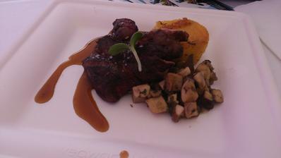 Mini steak a bramborová polenta s houbami luxus