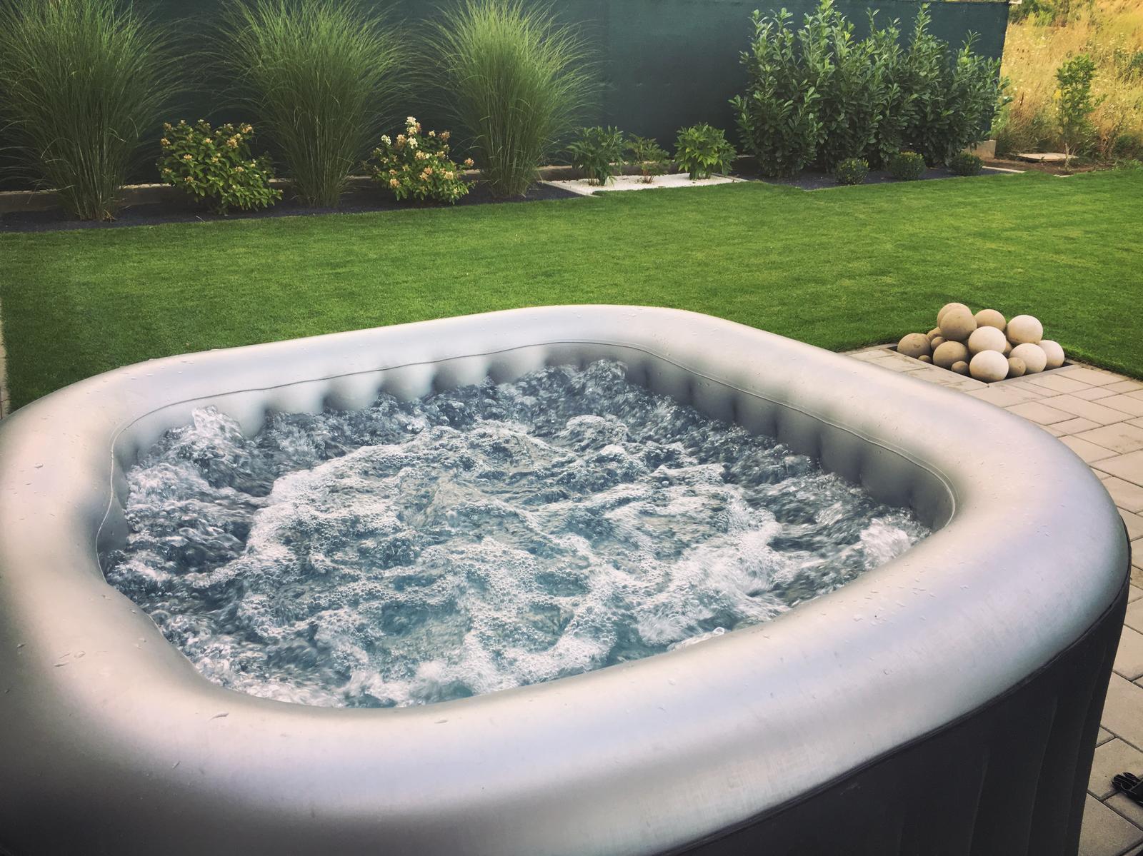 Exteriér domu snů - víc vody neuškodí ♥ :-D