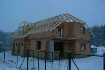 8.1.2010 - máme hotový krov :-)