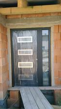 Nase odfoliovane dvere :) este chyba madlo