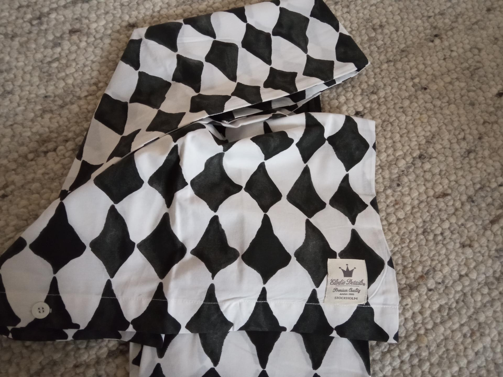 Liankina izbička :) - Netušila som, že elodie details majú takéto pekné obliečky z organickej bavlny.