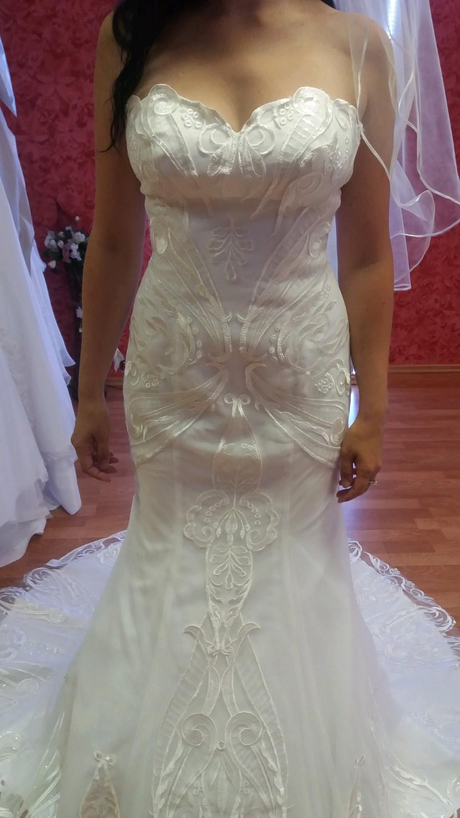 Svadobné šaty s 3d čipkou v ivory farbe - Obrázok č. 1