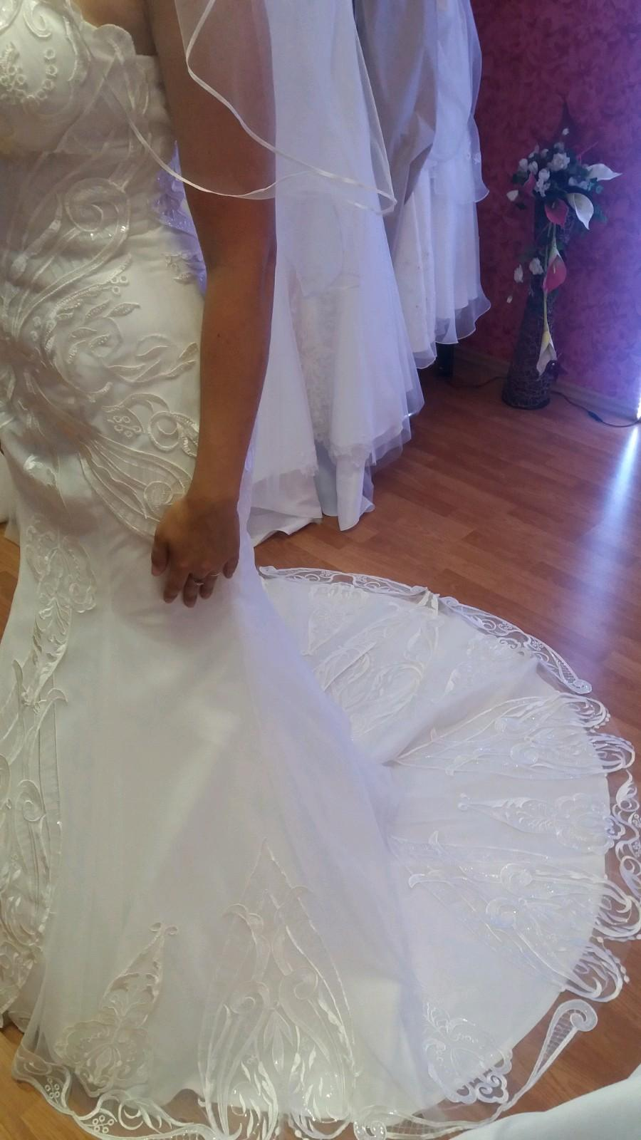Svadobné šaty s 3d čipkou v ivory farbe - Obrázok č. 3