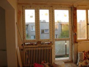 ...nove okna...
