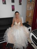 svadobné šaty jemnej meruňkovej farby, 38
