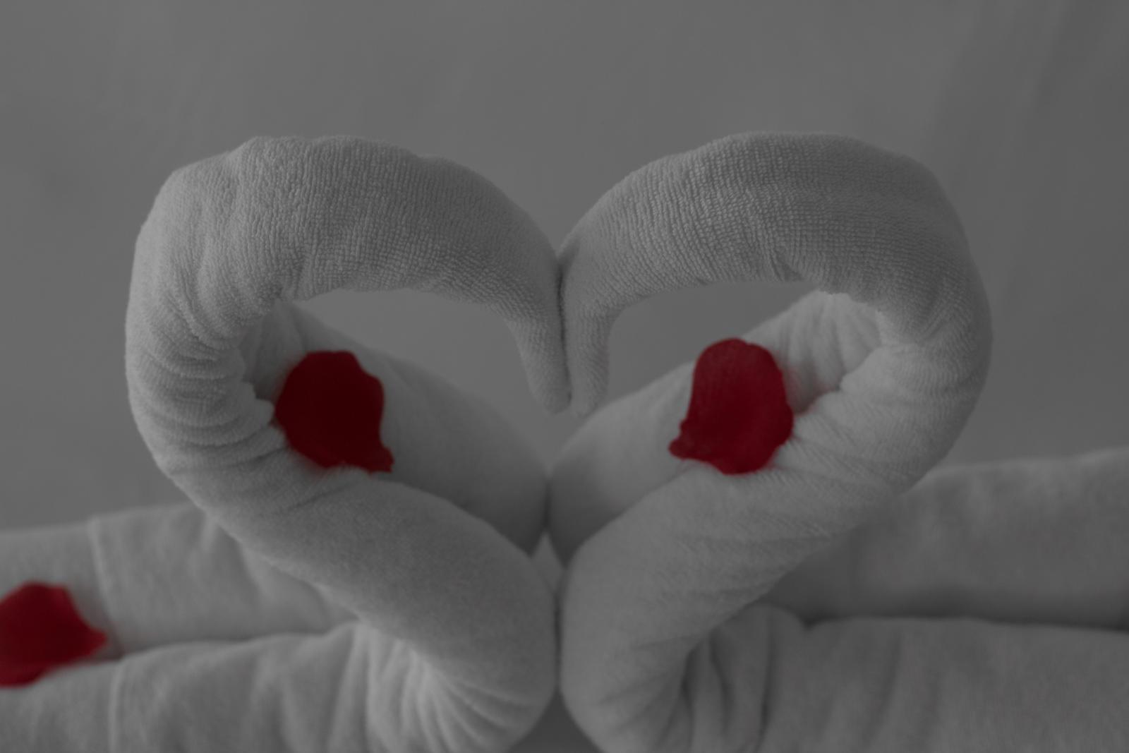 Mirka{{_AND_}}Martin - v honeymoon suite kde sa pripravoval moj drahy :)
