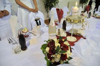 nas svadobny stol