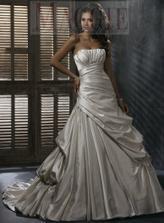 šaty z novej kolekcie v salóne v KE ešte majú šancu:)