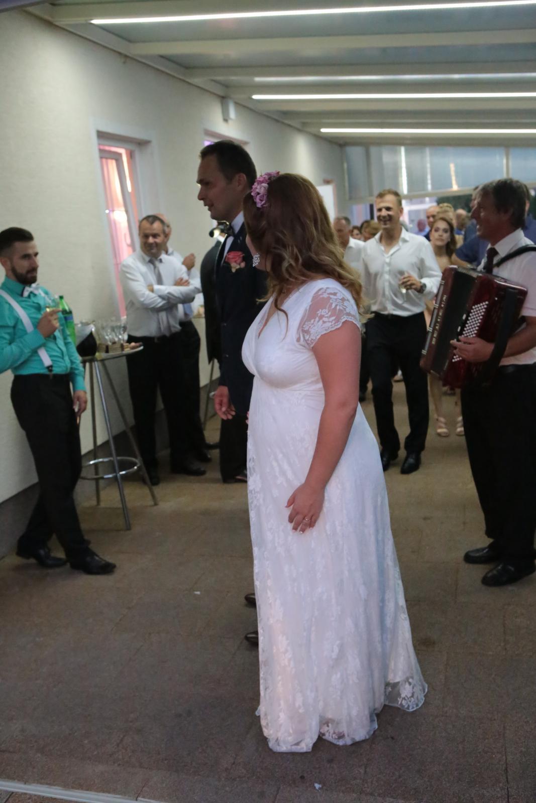 Tehotenské svadobné šaty - Obrázok č. 1