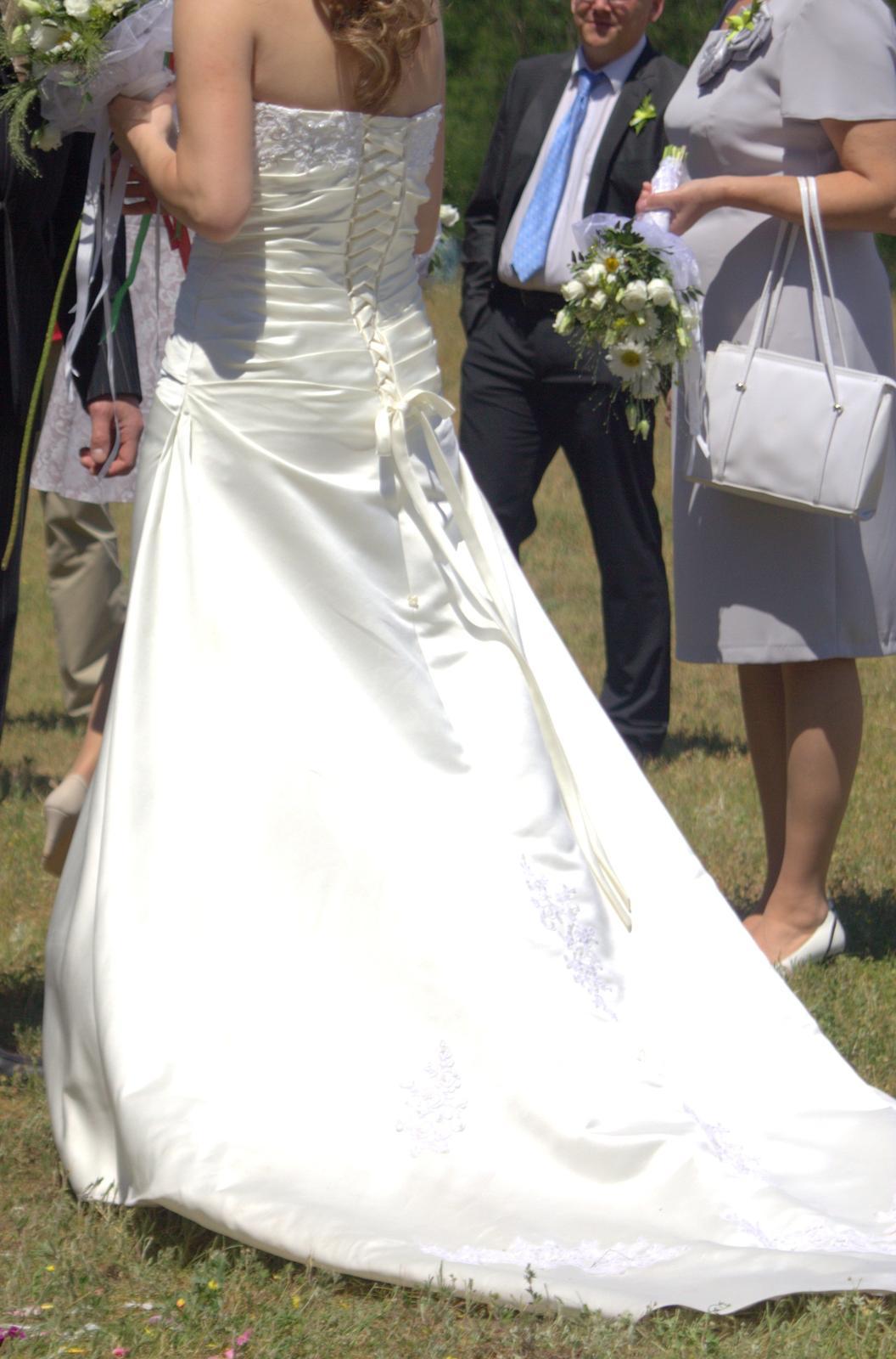 Svatební šaty, vel. 38-40 - Obrázek č. 2