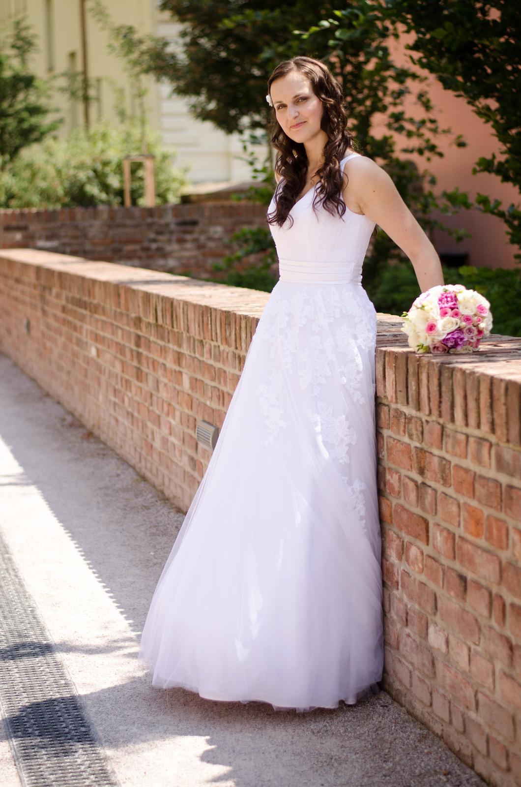 svatební šaty v. 36/38 + kruhová spodnice - Obrázek č. 1