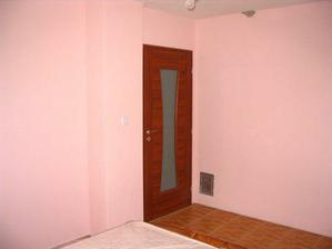 takéto dvere máme na spálni - fotené z postele