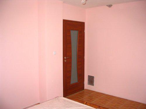 Náš domček - takéto dvere máme na spálni - fotené z postele