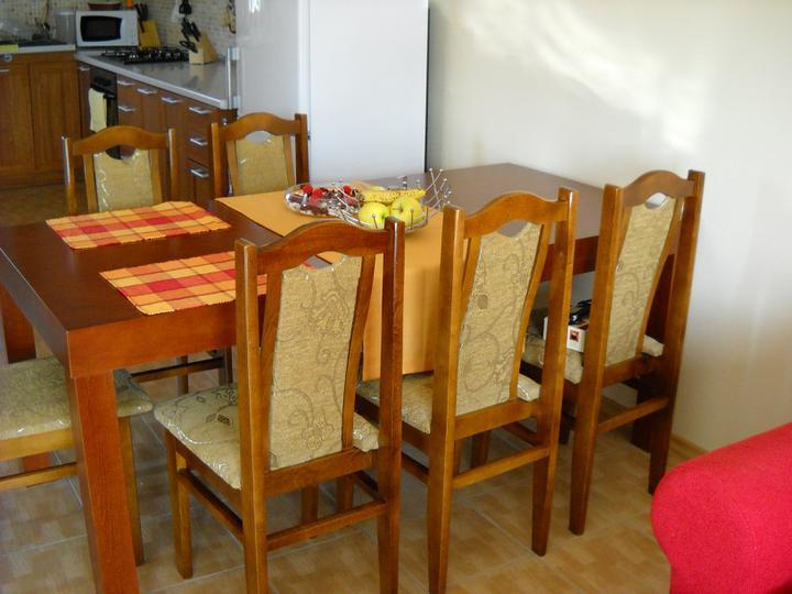 Náš domček - už máme nový stôl:-D