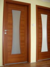 už máme aj dvere na poschodí