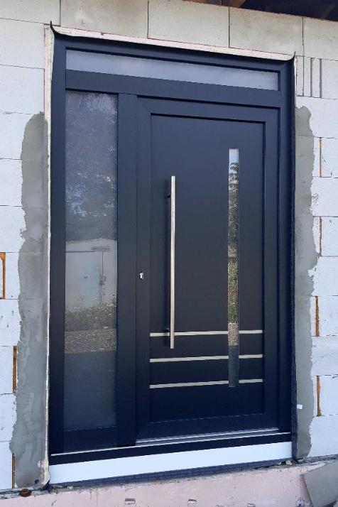 Realizácie vchodových dverí u zákazníkov s GAVA dvernými výplňami - GAVA 919