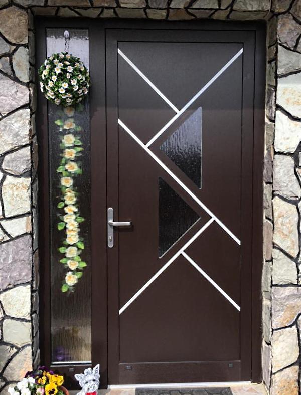 Realizácie vchodových dverí u zákazníkov s GAVA dvernými výplňami - GAVA 696L