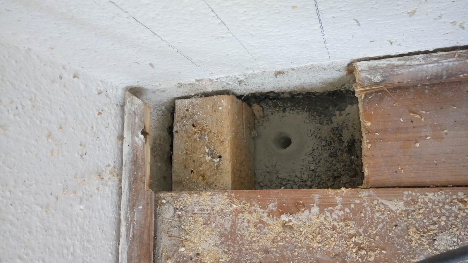 Prerabka domu po rodicoch - Pod podlahou krasne sucho