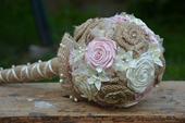 Svatební / dekorační kytice a brož / korsáž,