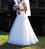 Svadobné šaty s kruhom a závojom, 38