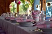 výzdoba na růžovou svatbu,