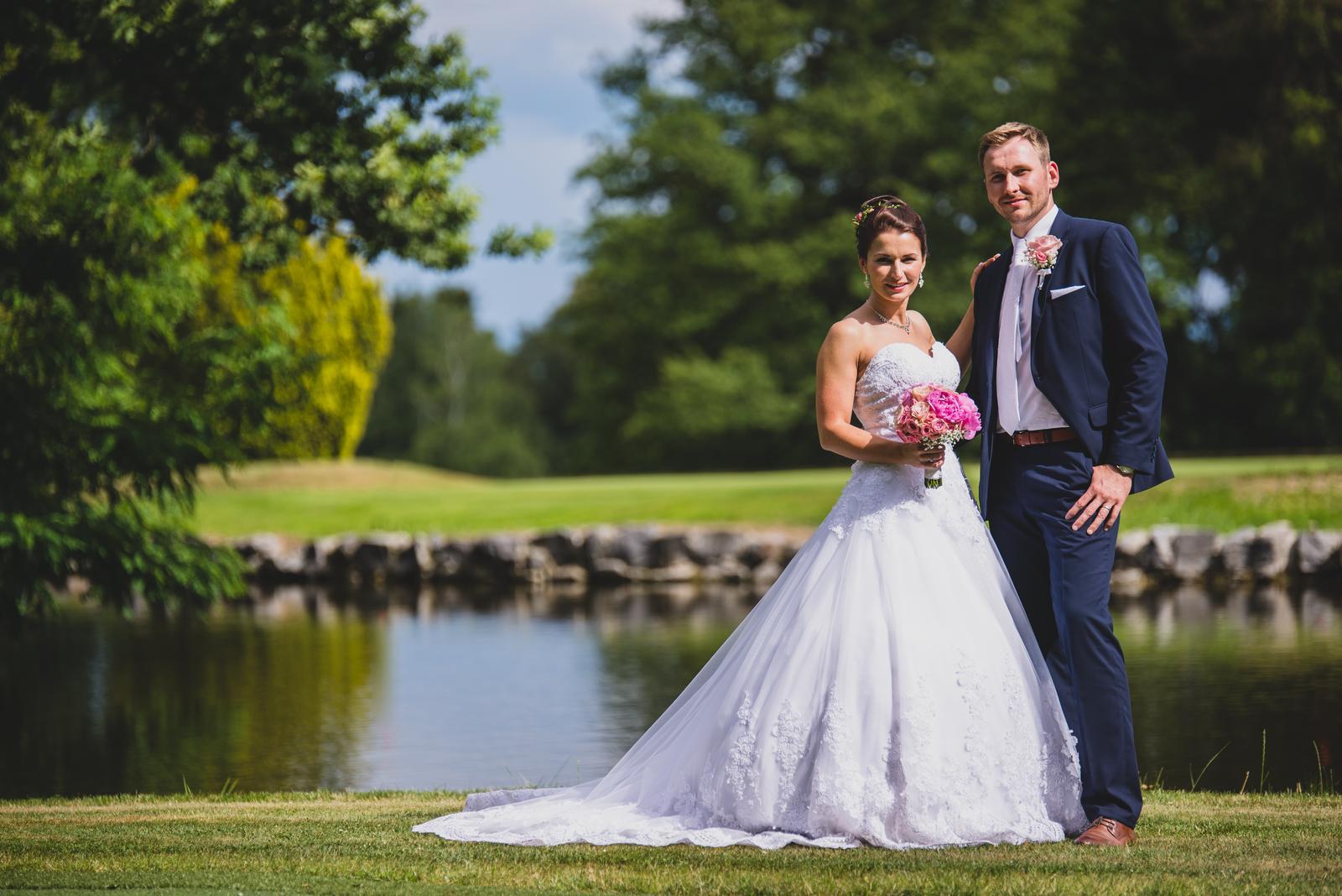 Krajkové svatební šaty šité na míru (38-42) - Obrázek č. 2