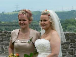 nevěsta a svědkyně