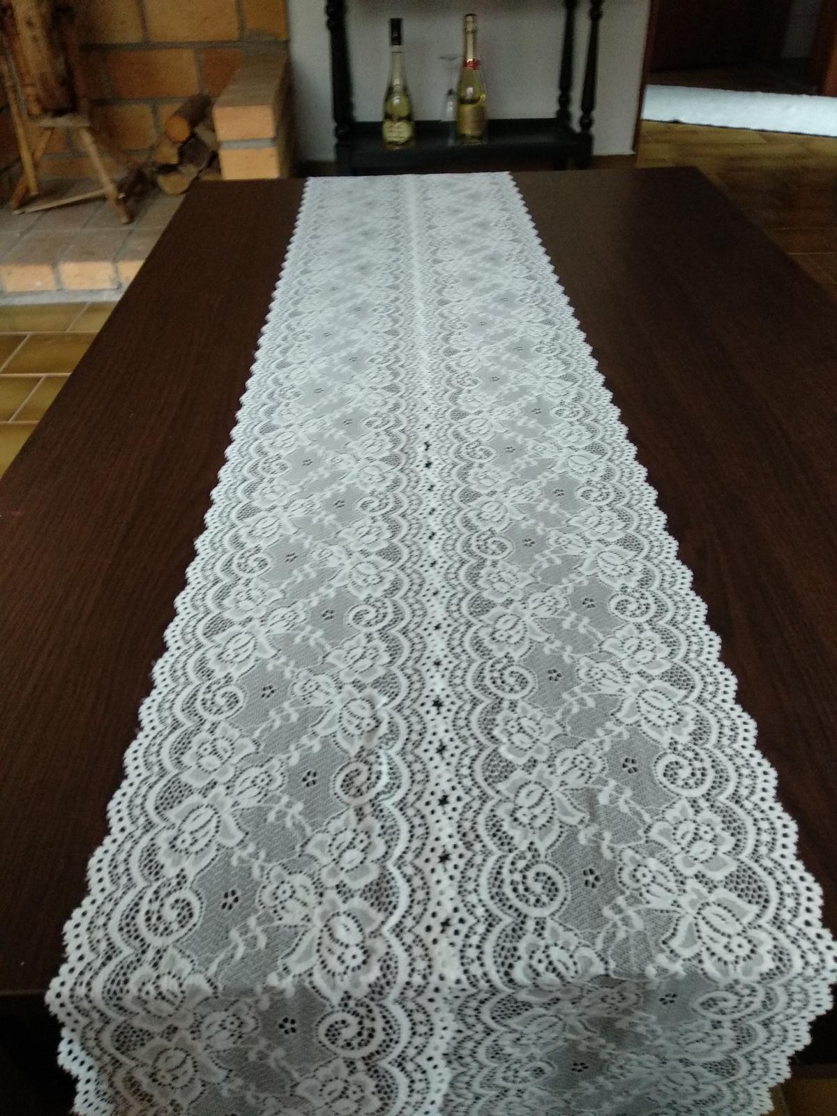 Krajkova serpa na stôl - Obrázok č. 1
