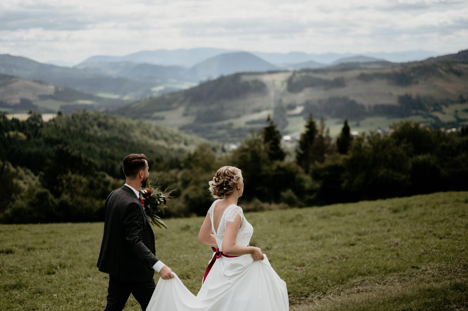 Jednoduché svadobné šaty Bianco Evento Natalie - Obrázok č. 3
