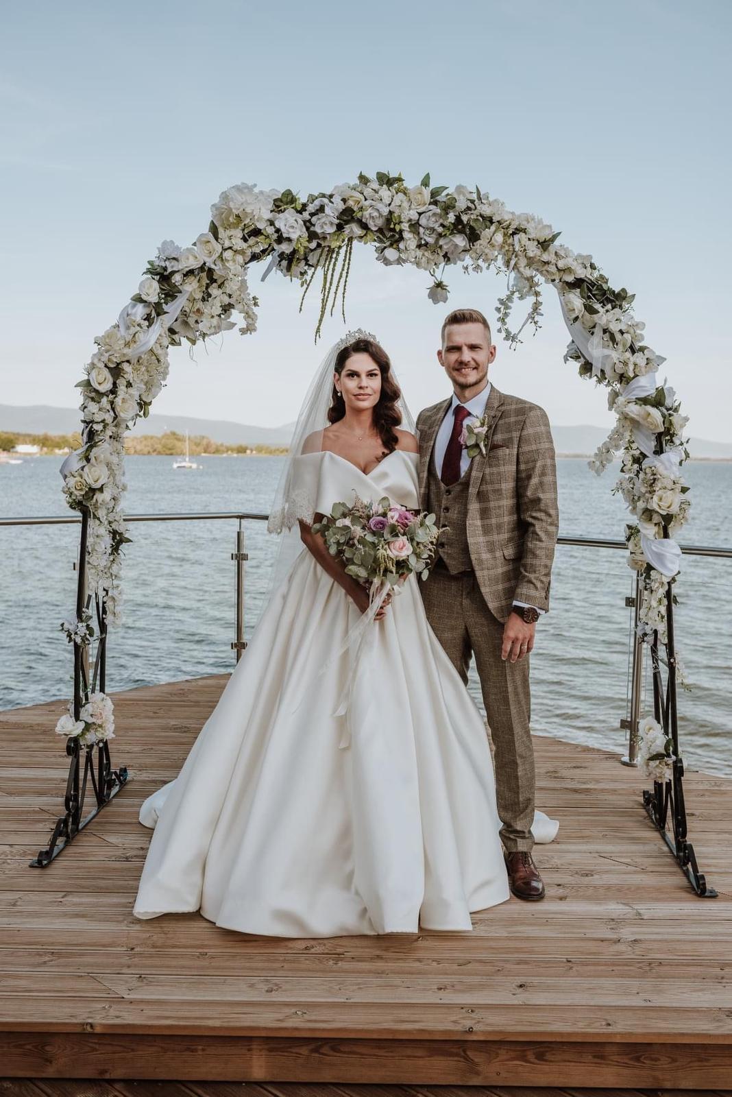 predám svadobné šaty Eva Lendel - Obrázok č. 3