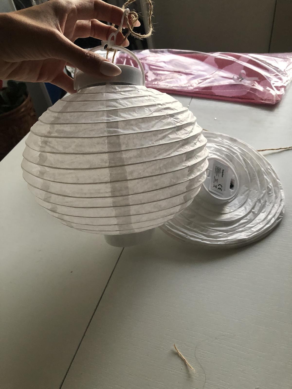 Bílé lampionky - Obrázek č. 2