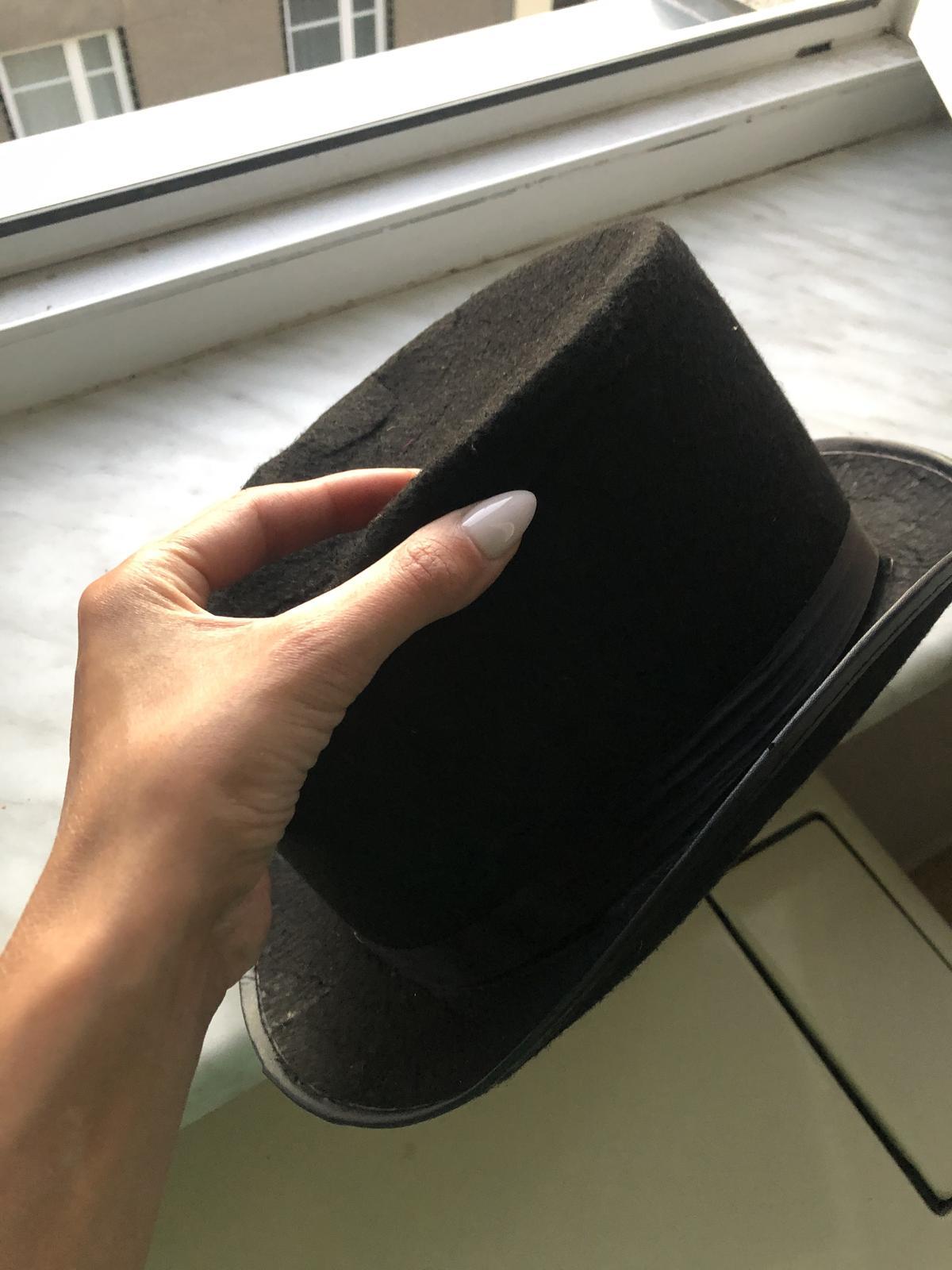 černý klobouk - Obrázek č. 1