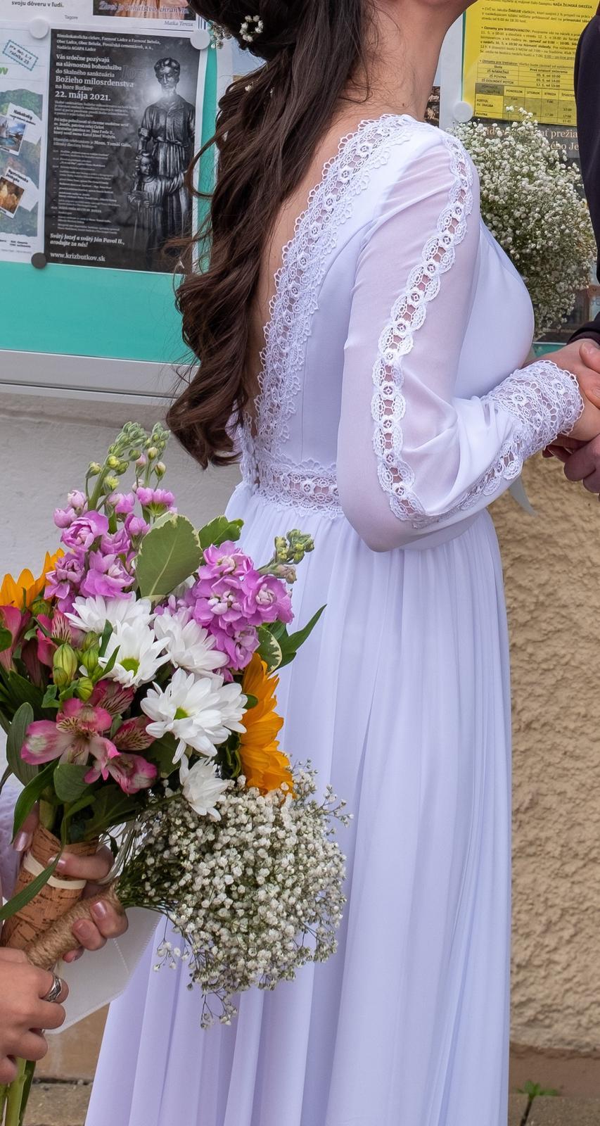 Svadobné šaty s odhaleným chrbtom - Obrázok č. 1