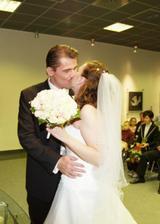 ...prvý manželský...