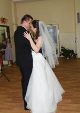 ...prvý manželský tanec...