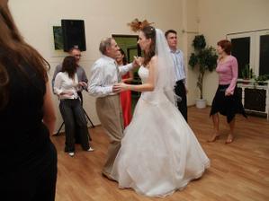 ...starký (80 rokov) tancoval ako mladík...