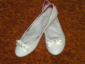 moje svadobné balerínky, velmi pohodlne