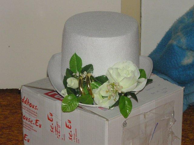 Pripravy 2.10.2010 - vyzdoba na utko mojho milacika, este bude doplnena organzami