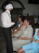 Ženich hledal nevěstu podle uší - chtěl tchyni:))