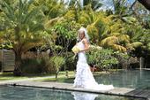 Zajímavé svatební šaty, 36