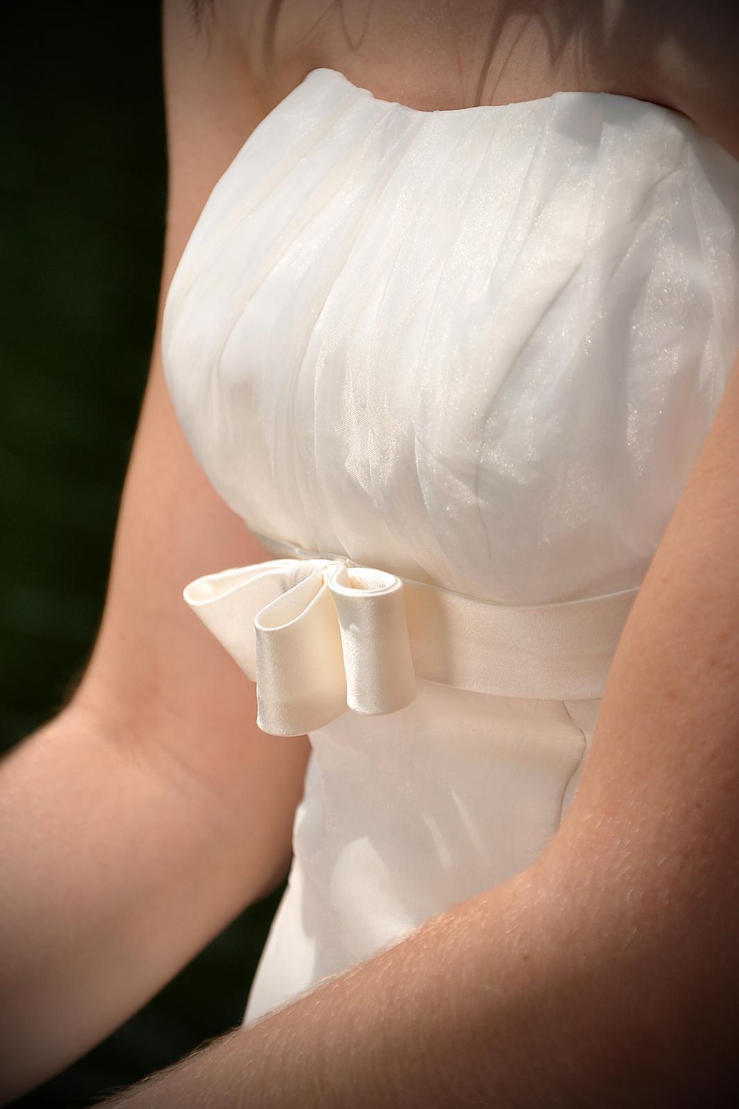 Svatební šaty šampaň vel.36 - Obrázek č. 2
