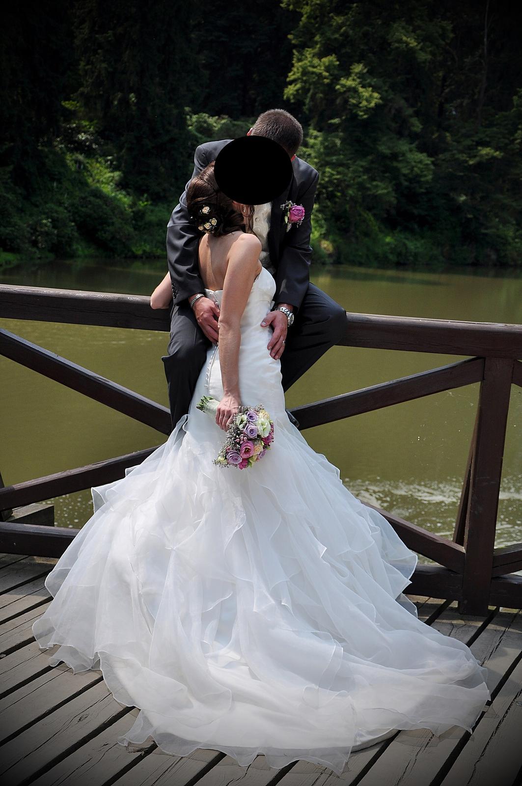 Svatební šaty šampaň vel.36 - Obrázek č. 3