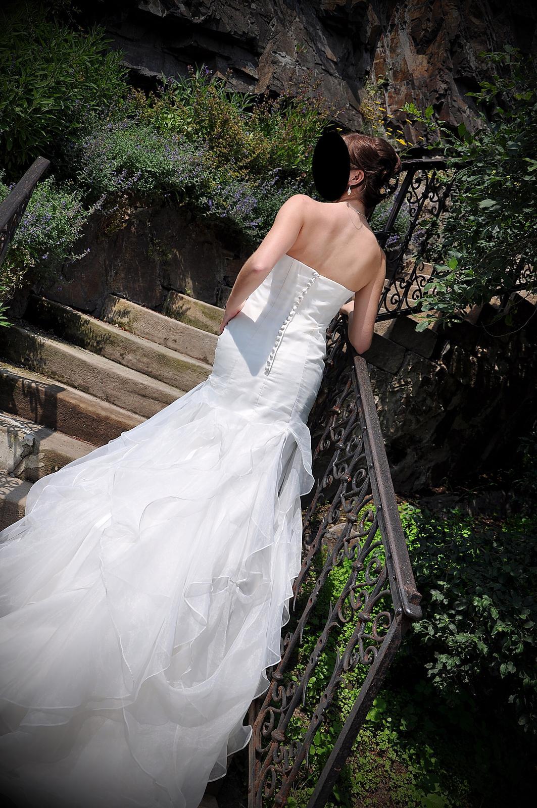 Svatební šaty šampaň vel.36 - Obrázek č. 4