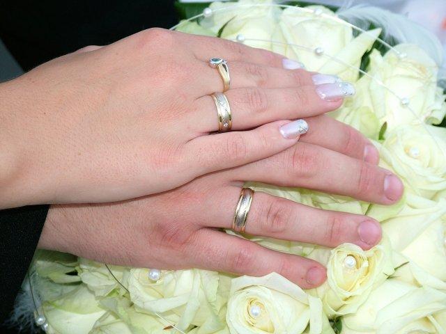 Čo sme mali - obrúčky na rúčkach novomanželov