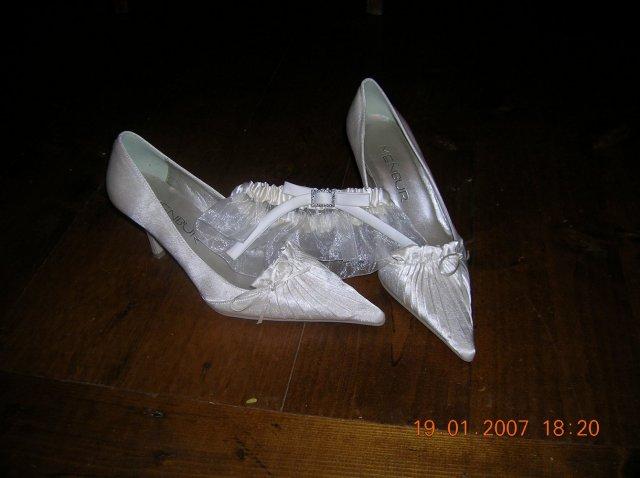 Ivka a petko 14.4.2007 - moje topanocky a podvazok