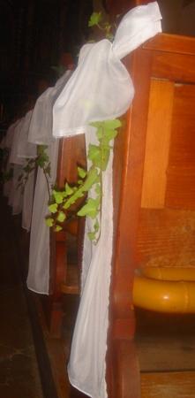 Ivka a petko 14.4.2007 - takto budu vyzerat lavice v kostole