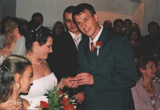 výměna prstýnků - ženich nevěstě