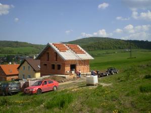 a děláme střechu