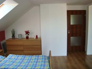 ložnice z druhé strany