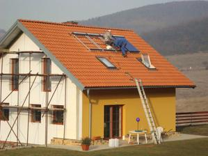 tak nám přidělávali solární kolektory